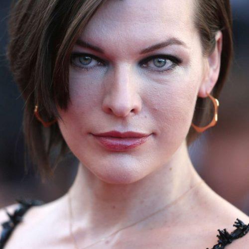Milla Jovovich como Alice