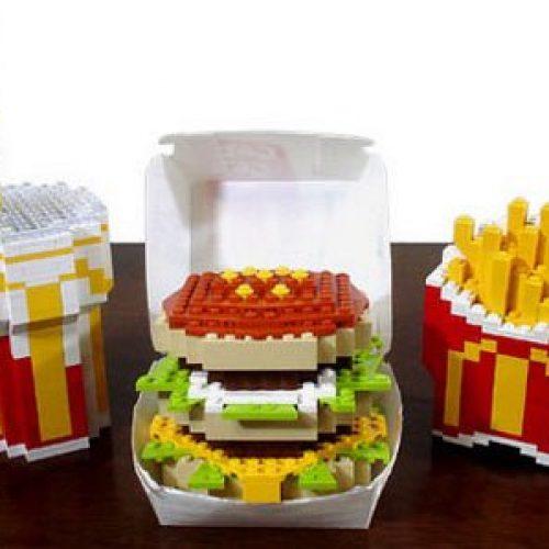 Hamburguesas hechas con piezas de Lego